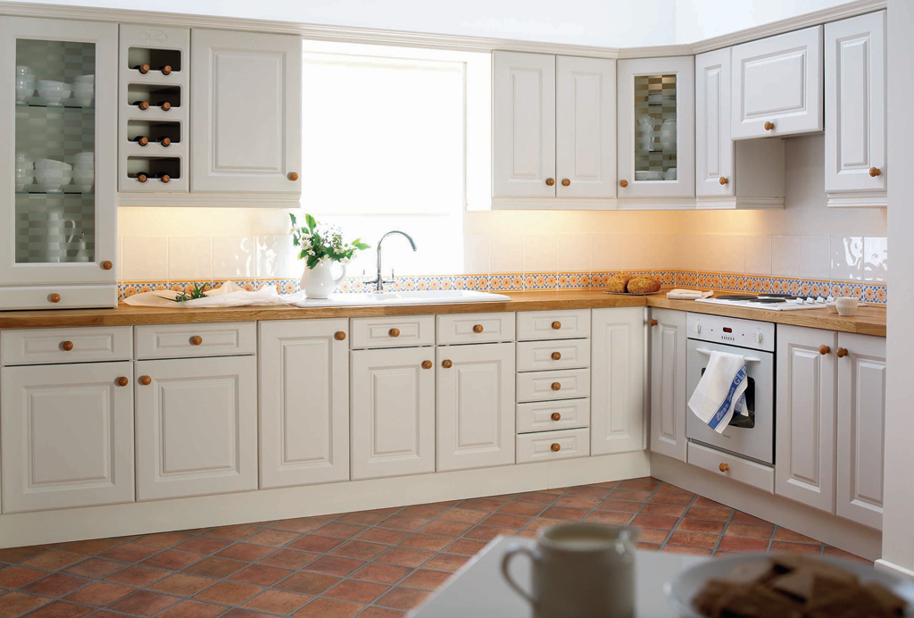 Traditional kitchen design shannonside kitchens new for Traditional kitchens ireland